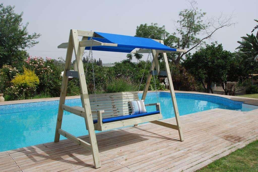 ספסל נדנדה מעץ מלא 1.50 עם גגון  פוקט