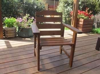 כסא אוכל כפרי לגינה