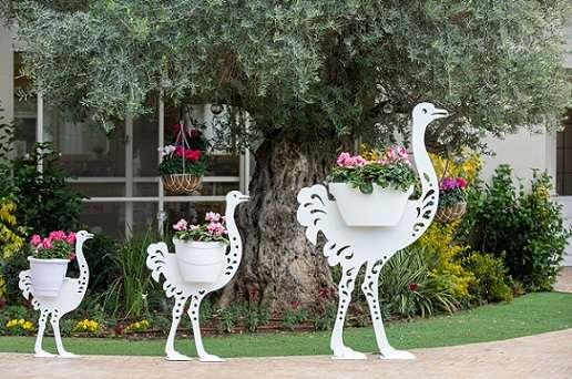 יען גדול -פסל פורח לגינה