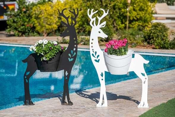 צבי -פסל פורח לגינה